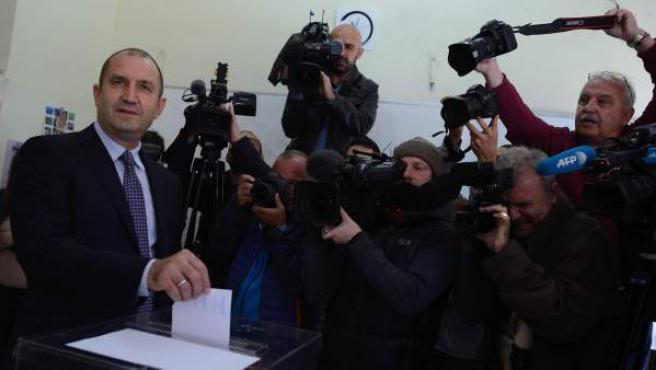 El candidato independiente Rumen Radev, nuevo presidente de Bulgaria.