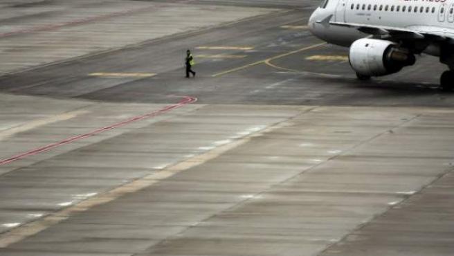 Una pista del aeropuerto Adolfo Suárez Madrid-Barajas, en una imagen de archivo.