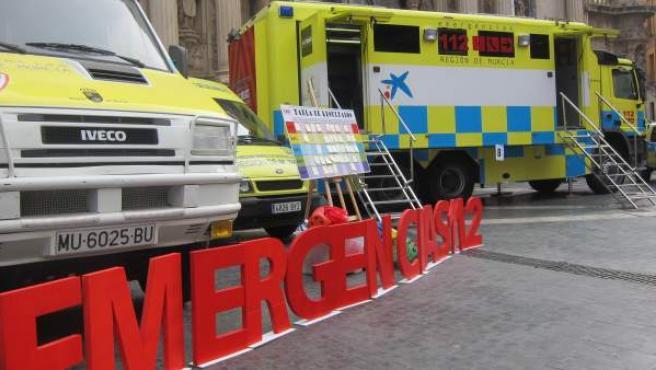 Varios vehículos de Protección Civil y Emergencias 112 de la región de Murcia.