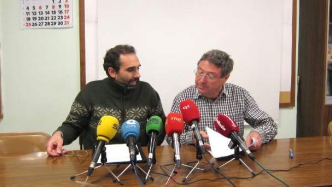 Miguel Ángel Ceballos (i) y Luis Oviedo (d) durante la rueda de prensa