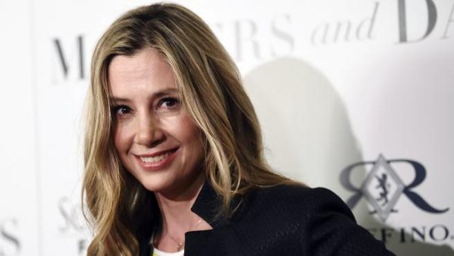 """En 1995, Weinstein estaba solo con ella en la habitación de un hotel y empezó a masajear sus hombros, lo que la hizo sentir """"muy incómoda""""."""