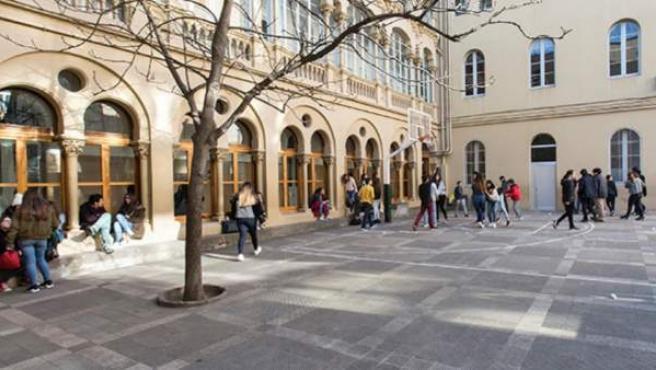 Patio de la Escuela Vedruna de Gràcia en Barcelona.