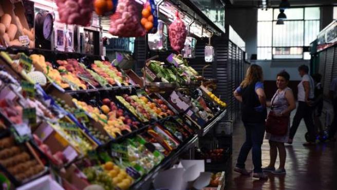 <p>El hecho de comprar fruta no significa que se ingiera pues, según el informe, la fruta es el alimento que más se desperdicia.</p>