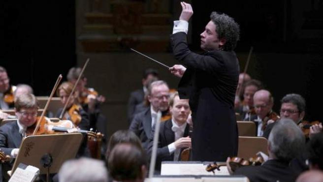 El venezolano Gustavo Dudamel conduce a la Filarmónica de Viena en su debut en el Real.