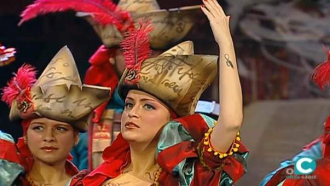 Un momento de la actuación de Las Irrepetibles en el Concurso Oficial de Agrupaciones del Carnaval de Cádiz.