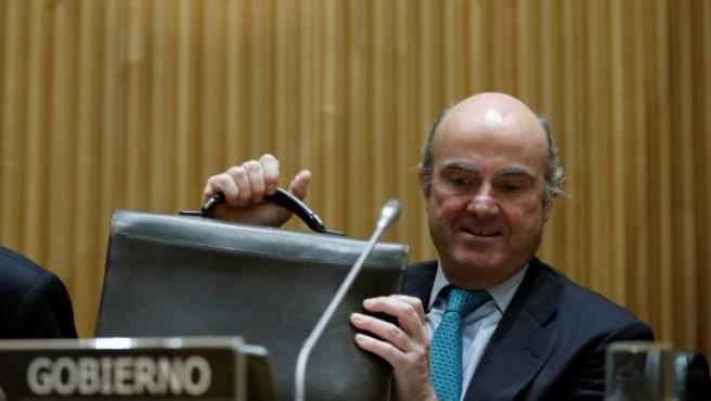 De Guindos, durante su comparecencia en la Comisión parlamentaria que analiza la crisis financiera y el rescate bancario.