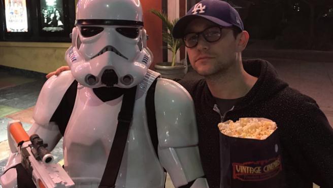 Joseph Gordon-Levitt sale a defender 'Los Últimos Jedi'