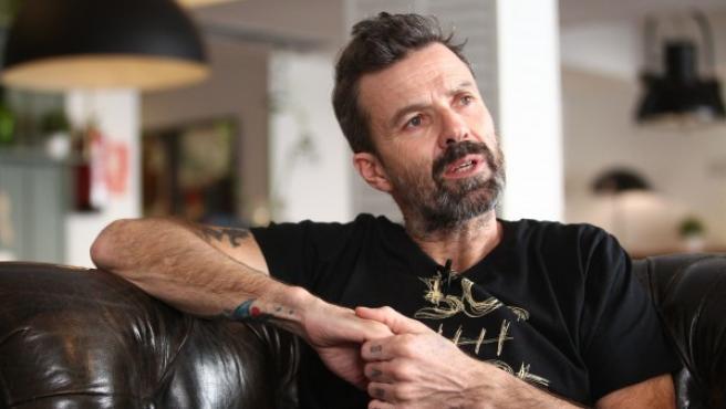 El cantante Pau Donés, en una imagen de archivo, durante una entrevista con 20minutos.