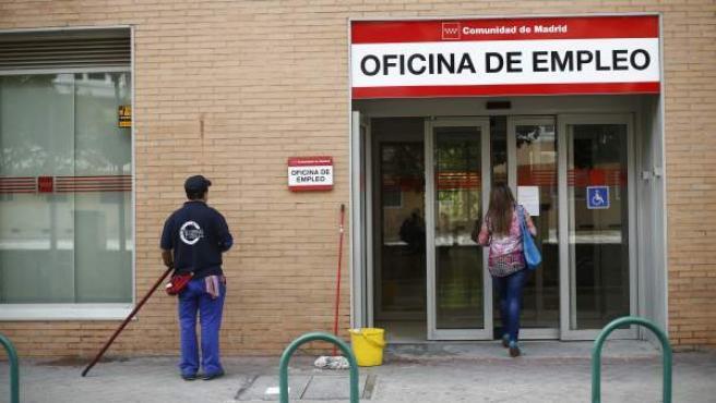 Una oficina de empleo en Madrid, en una imagen de archivo.