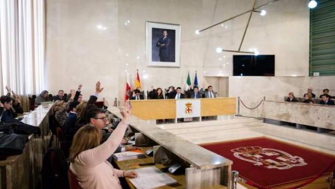 Notas Ayto. Almería (2) Pleno Aprobación Inicial Presupuesto Municipal 2018 / Ag