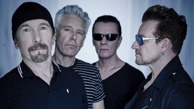 La banda irlandesa U2, con Bono (a la dcha) a la cabeza.