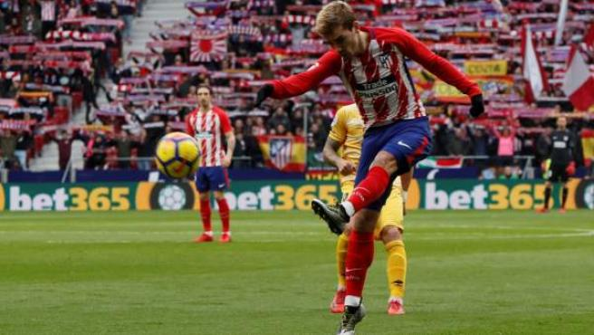 Antoine Griezmann, en acción ante el Girona.
