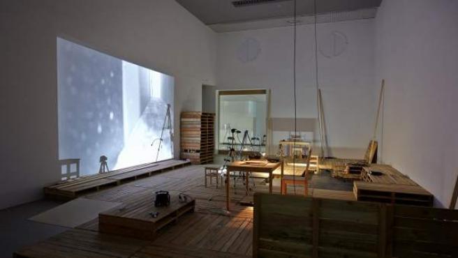 Instalación de la exposición 'Carmen//Shakespeare - Presagios del deseo' de los artistas Olga Mesa y Francisco Ruiz de Infante. Puede verse en Artium hasta el próximo 1 de mayo.