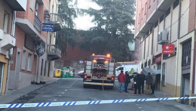Ávila.- Los bomberos actúan en un incendio en un supermercado