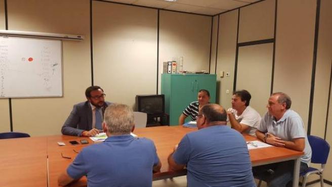 Francisco Moraga, con el comité de empresa de Tussam