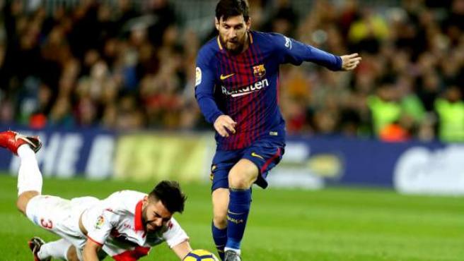 Leo Messi, en acción ante el Alavés.