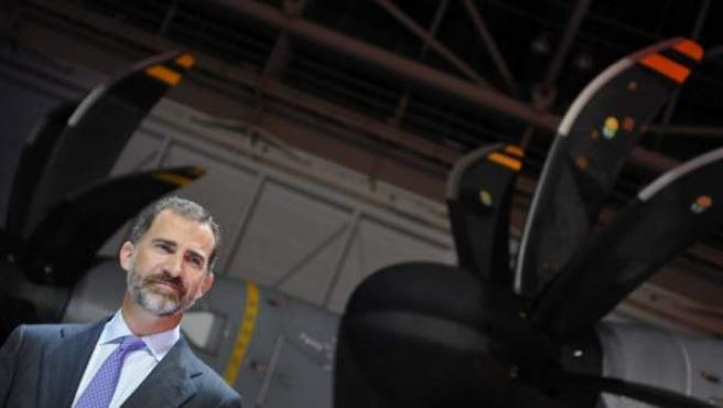 El príncipe Felipe presidió la entrega del avión militar A400M en Sevilla.