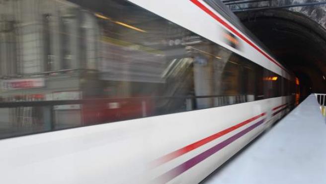 Imagen de archivo de un tren de Cercanías Renfe en Madrid.
