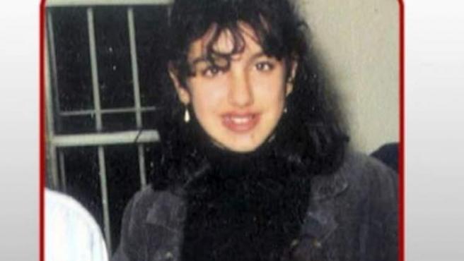 <p>Manuela Torres y Virginia Guerrero, hace 25 años.</p>