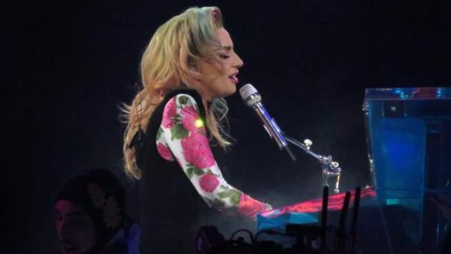 Lady Gaga en su último concierto en Birmingham, antes de suspender la gira.
