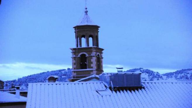 Varias vías de Teruel capital cortadas al tráfico por nieve.