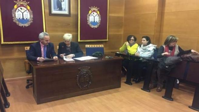Diputación adapta a la normativa de accesibilidad edificios de Doña Mencía