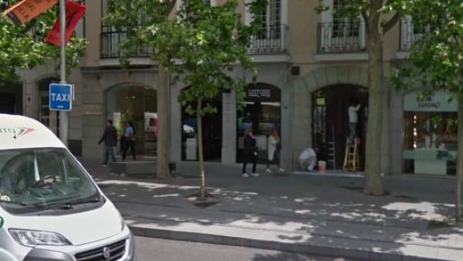 Exterior del establecimiento Lottusse, donde tres ladrones trataron de robar ropa de alta gama.