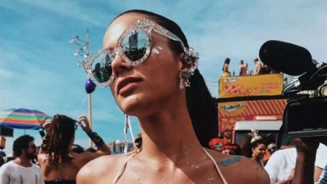 Imagen de Bruna Marquezine disfrazada por carnaval.