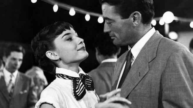 Fotograma de la película 'Vacaciones en Roma', protagonizada por Audrey Hepburn y Gregory Peck.