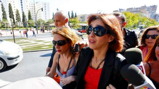 Juana Rivas, a su llegada a los juzgados de Granada.