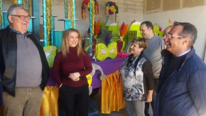 Alcaldesa de Alcalá de Guadaíra con la Asociación de Carnaval