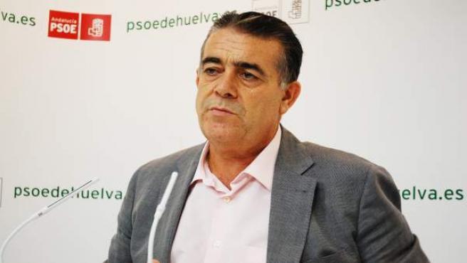El Senador Socialista Francisco Bella.