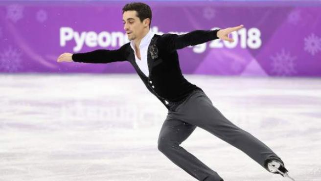 El patinador español Javier Fernández, durante el ejercicio en los Juegos Olímpicos.