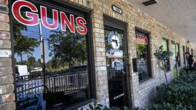 Tienda de venta de armas donde supuestamente Nikolas Cruz compró el arma empleada en el tiroteo de un instituto de Florida.