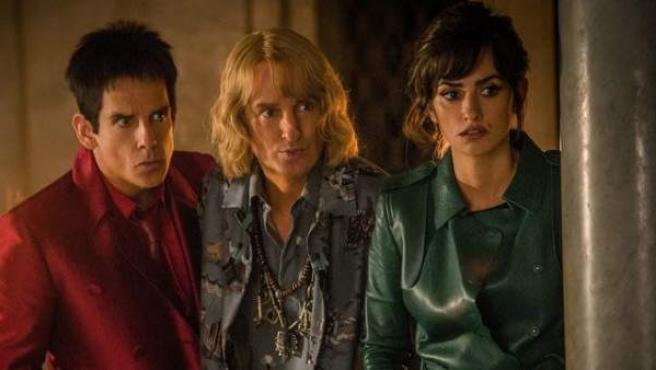 Ben Stiller, Owen Wilson y Penélope Cruz es una secuencia de la 'Zoolander 2', película que parodia el mundo de la moda.
