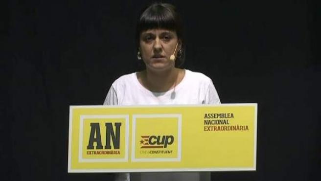 La exdiputada de la CUP Anna Gabriel, durante su intervención en la asamblea de la CUP.