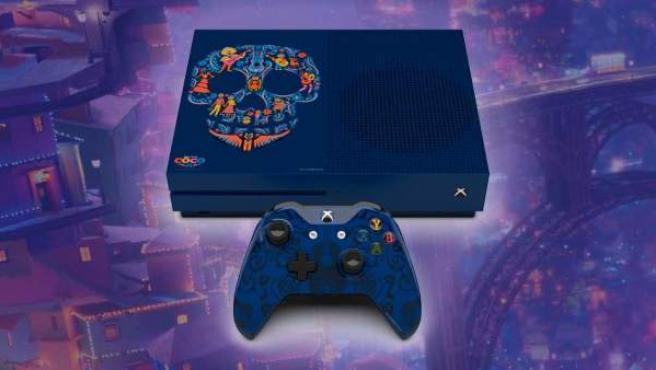La Xbox One S de Microsoft y Disney con motivos de 'Coco'.