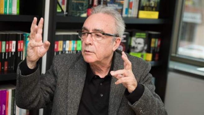 J. J. Millás, durante la entrevista