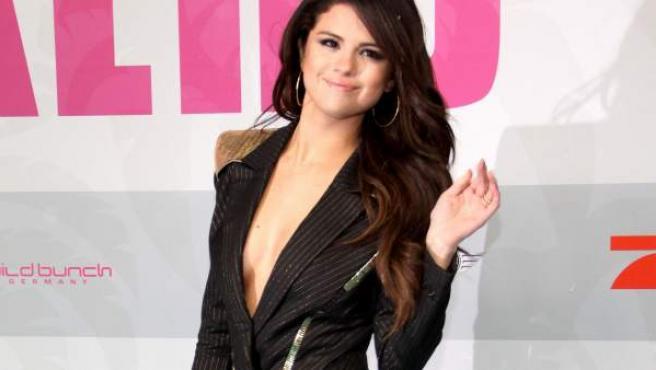 La actriz y cantante Selena Gomez acude a una premier.
