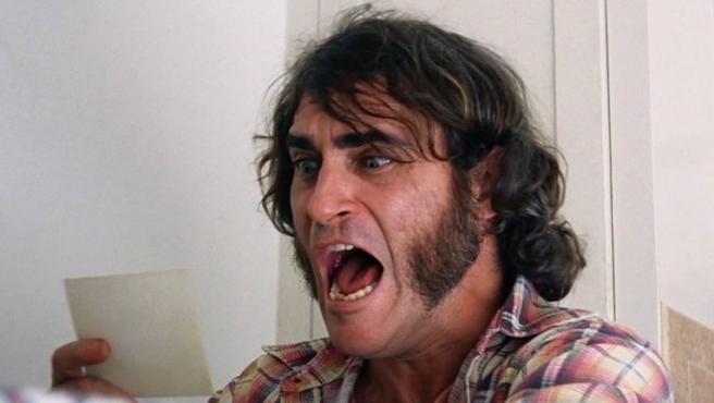 Esta cara pone Joaquin Phoenix cuando le preguntan por el Joker