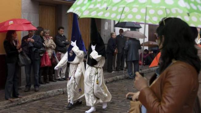Lluvia durante las procesiones.