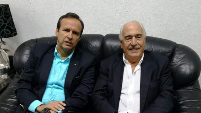 Jorge Quiroga, expresidente de Bolivia, y Andrés Pastrana, de Colombia, tras ser retenidos por el Gobierno cubano.