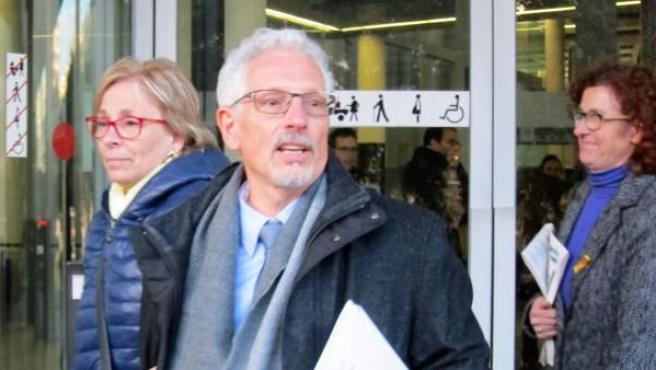 Santi Vidal, exjuez y exsenador de ERC a la salida del juzgado.
