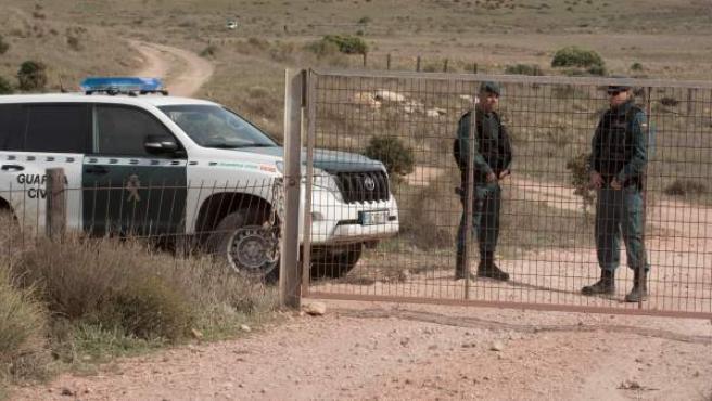 La Guardia Civil custodia la finca de Rodalquilar, en Níjar.