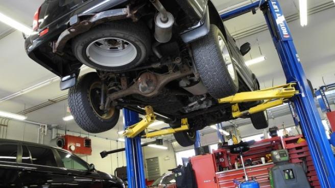 Revisa periódicamente el aceite, la presión de los neumáticos y el estado de los filtros para que no tengas que cubrir los gastos de una avería por un mal mantenimiento.