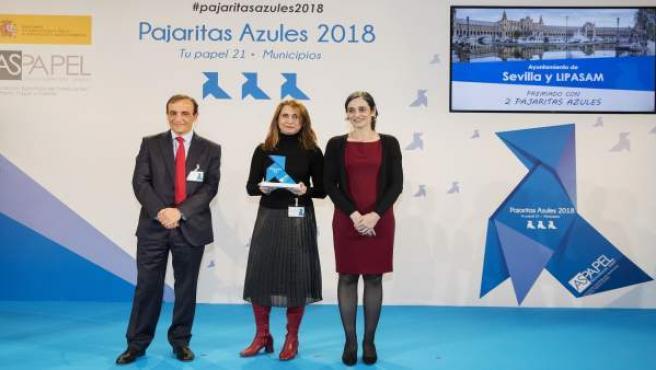 Entrega del premio Pajarita Azul por segundo año consecutivo a Lipasam