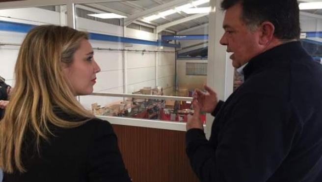 Ana Isabel Jiménez (PSOE) visita la empresa Mecánicas Guadaíra