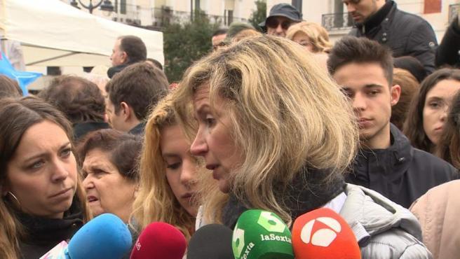 La madre de Diana Quer, Diana López-Pinel, en una concentración en Sol a favor de la prisión permanente revisable.