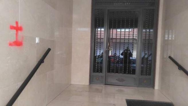 Pintada franquista en la puerta de un concejal en Callosa de Segura