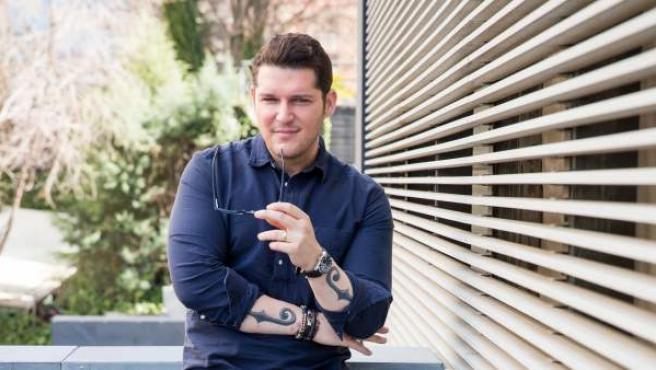 El cantante Manu Tenorio posa para el entrevista con 20minutos